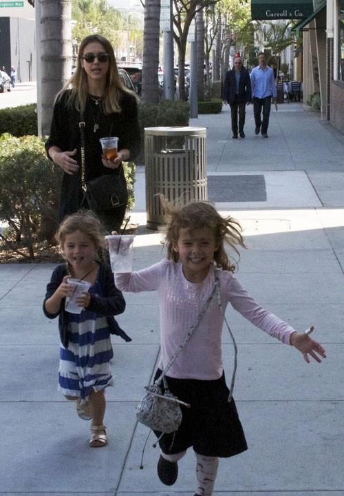 Jessica Alba et Honor MArie à Los Angeles le 8 octobre 2012