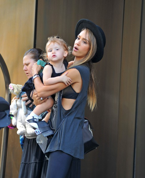 Jessica Alba et sa fille Haven à New York, le 11 septembre 2013.