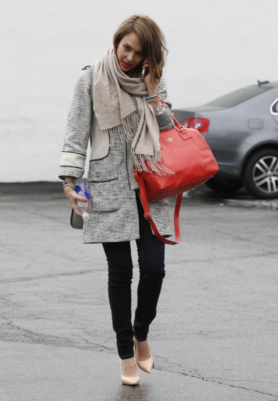 Jessica Alba le 19 février 2013 à Los Angeles