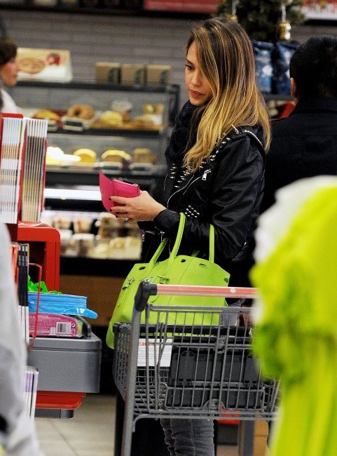 Jessica Alba le 20 décembre 2012 à Santa Monica