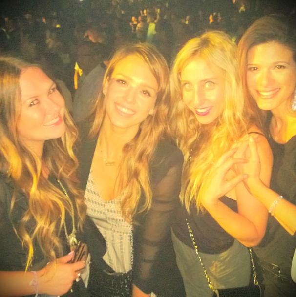 Jessica Alba : elle s'éclate au concert de Beyoncé !