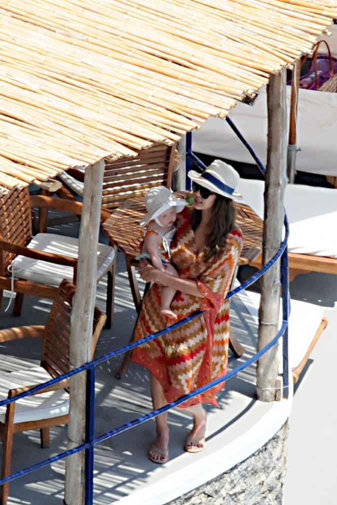 Jessica Alba en vacances à Amalfi, en Italie, le 10 juillet 2012