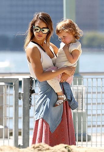 Jessica Alba et sa fille Haven à New York le 12 septembre 2014