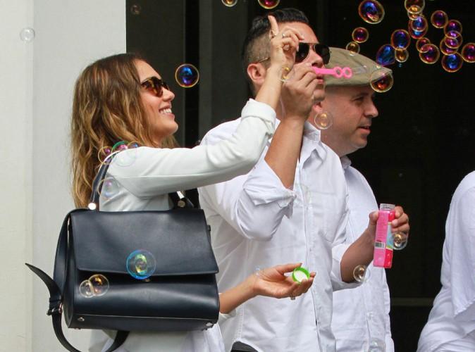 Jessica Alba et Cash Warren : faire des bulles à un mariage ? Un vrai jeu d'enfant !
