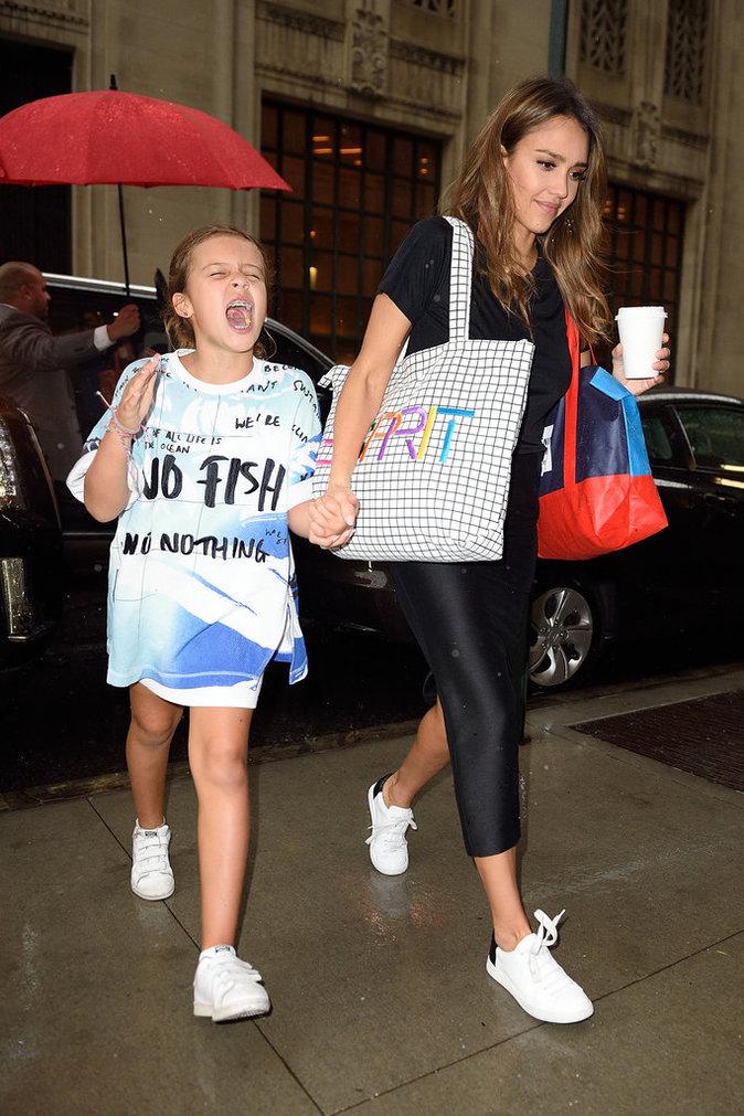 Jessica Alba prend du temps pour sa famille
