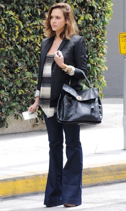 Jessica Alba en mode casual chic...