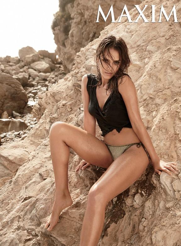 Jessica Alba : laissez-vous séduire par son nouveau shooting caliente !