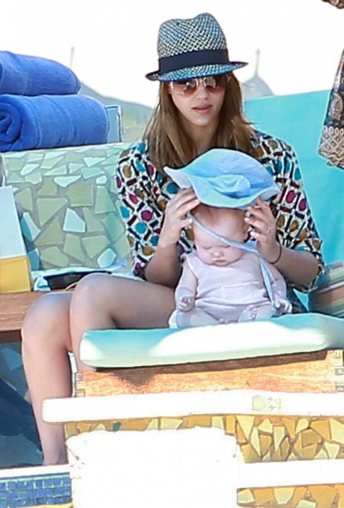 Un petit chapeau pour ne pas qu'Haven souffre du soleil ...