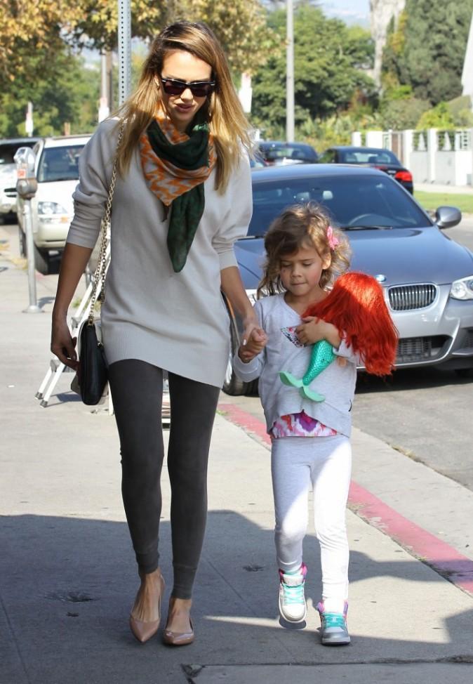 Jessica Alba et Honor Marie à West Hollywood pour une journée entre filles le 25 novembre 2012