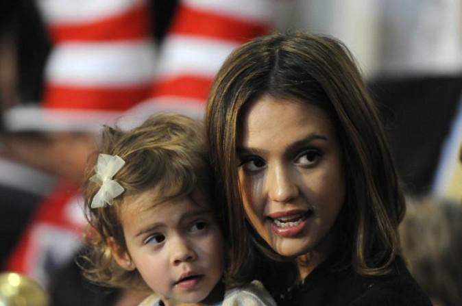 Jessica Alba avec sa fille, à Washington...elle l'emmène partout !