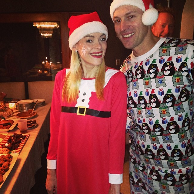 Jaime King et Kyle Newman lors de la soirée du réveillon de Noël chez Jessica Alba, le 24 décembre 2013.