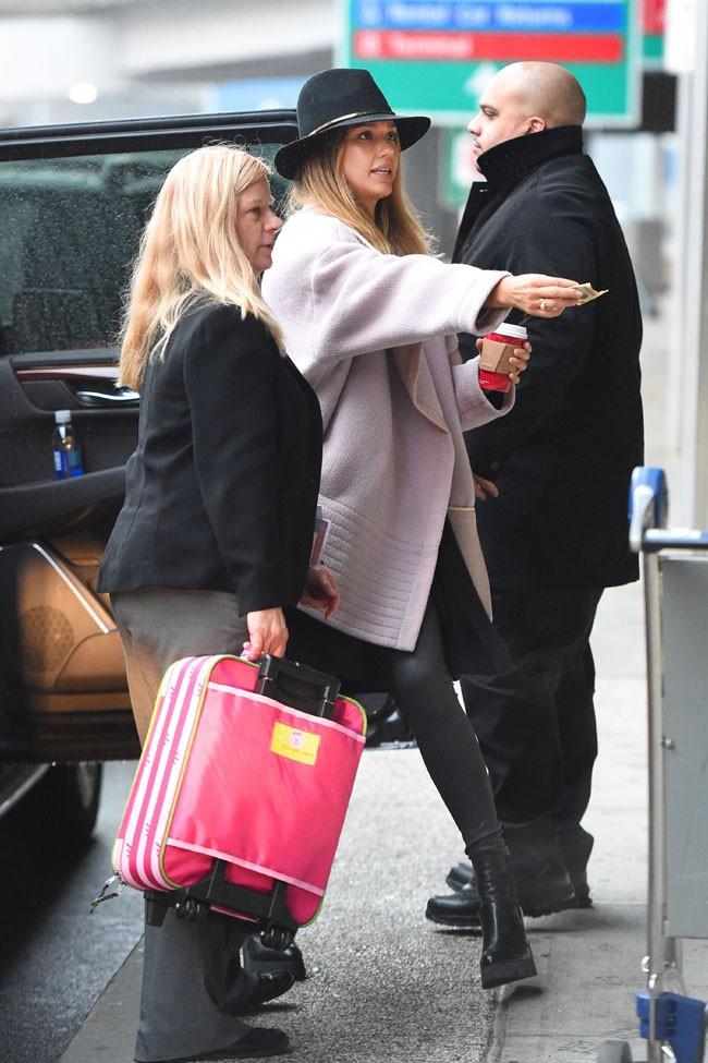 Jessica Alba et Honor Marie à New-York le 9 décembre 2014
