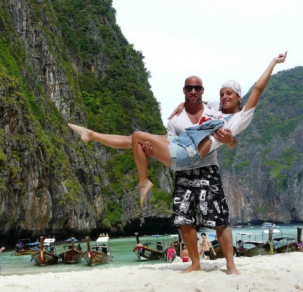 Photos : Jessica (Koh-Lanta) : découvrez Jonathan, son chéri bodybuildé !