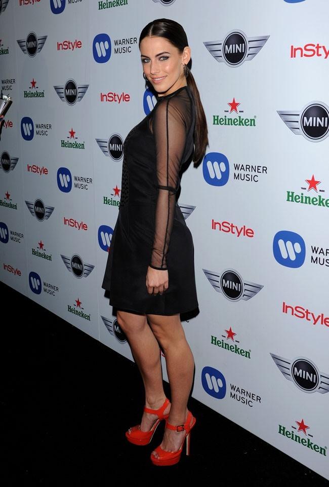 Jessica Lowndes le 10 février 2013 à Los Angeles