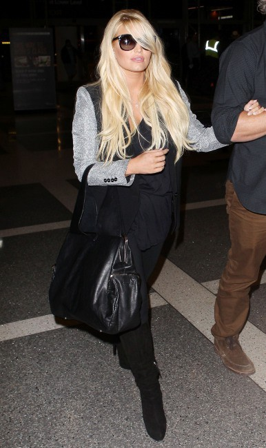 Jessica Simpson à l'aéroport de Los Angeles, le 13 octobre 2013.