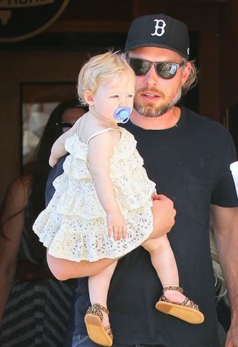Jessica Simpson et sa famille à Calabasas le 6 avril 2013