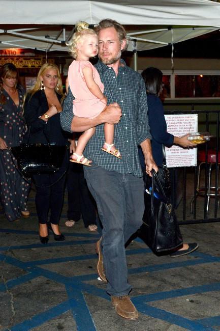 Jessica Simpson en famille à Calabasas, le 24 septembre 2013.