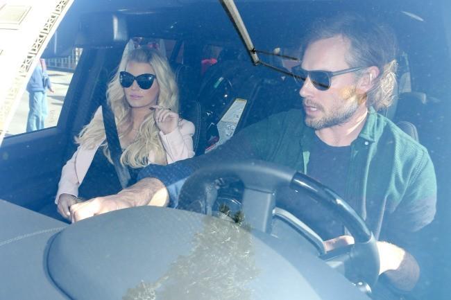 Jessica Simpson et Eric Johnson à Santa Monica, le 14 février 2013.