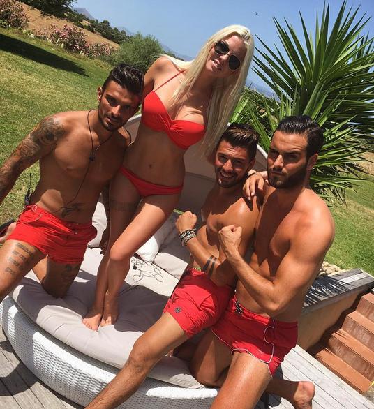 Photos : Jessica Thivenin : De plus en plus sexy sur Instagram !