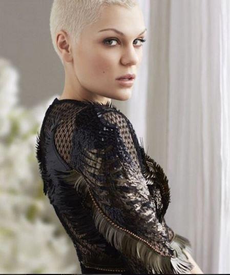 Jessie J a changé de tête !