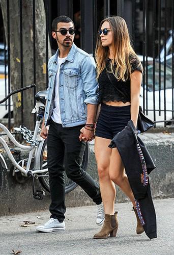 Joe Jonas et sa girlfriend à New-York le 24 juillet 2013