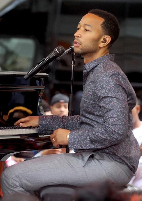 John Legend sur le plateau du Today Show, à New-York, le 10 juillet 2014