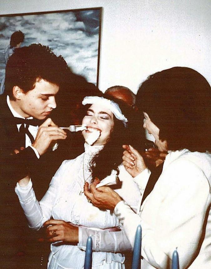 Johnny Depp lors de son premier (et unique) mariage avec Lori Anne Allison !