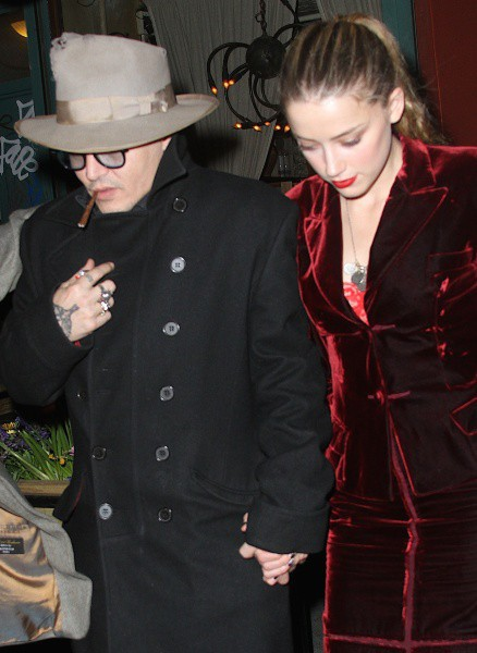 Johnny Depp et Amber Heard en amoureux à New York, le 21 avril 2014.