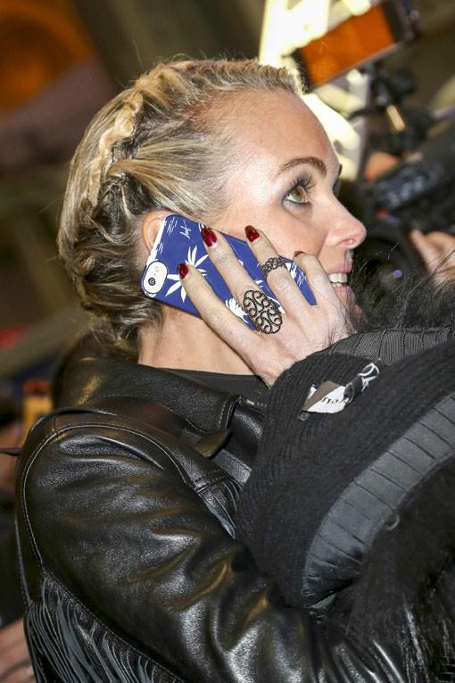 """Johnny et Laeticia Hallyday à l'inauguration de """"Jours de fête"""" au Grand Palais, à Paris, le 19 décembre 2013"""