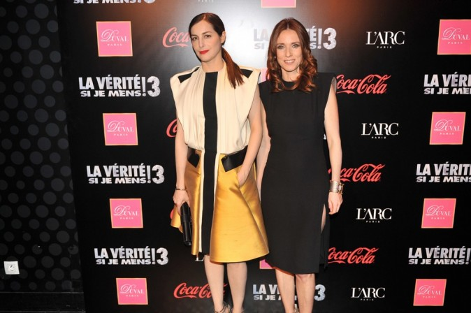 Amira Casar et Léa Drucker lors de l'after-party du film La Vérité Si Je Mens 3 à L'Arc à Paris, le 30 janvier 2012.