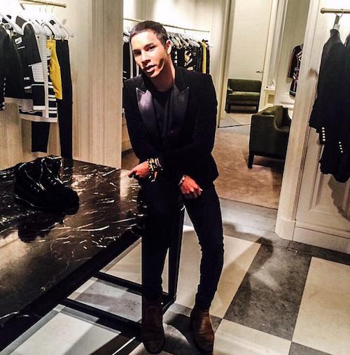 Olivier Rousteing dans la nouvelle boutique Balmain à Londres