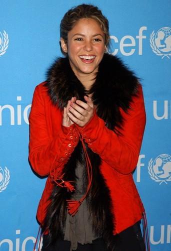 Shakira est ambassadrice pour l'UNICEF depuis 2003.