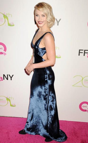 """Julianne Hough lors du gala """"FFANY Shoes on Sale"""" à New York ,le 1er octobre 2013."""