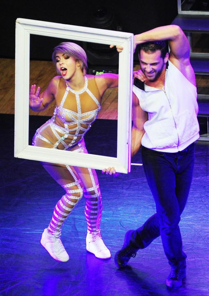 Julianne et Derek Hough ont mis le feu à la scène pour la dernière de leur Moving Live on Tour le samedi 26 juillet