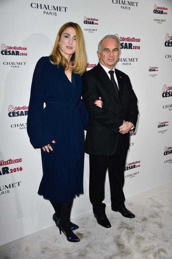 Photos : Julie Gayet complice avec le président des César !
