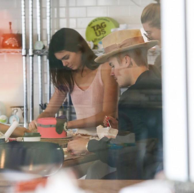 Photos : Justin Bieber : adorable avec sa petite soeur, Kendall Jenner et Hailey Baldwin jouent les nounous !
