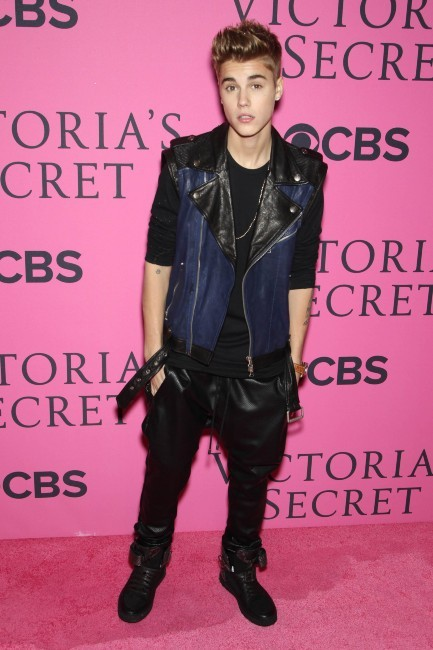 Justin Bieber lors du photocall du défilé Victoria's Secret à New york, le 7 novembre 2012.