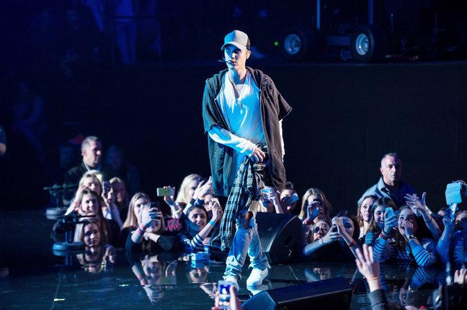 Justin Bieber : Furieux auprès de ses fans qui perturbent son concert!