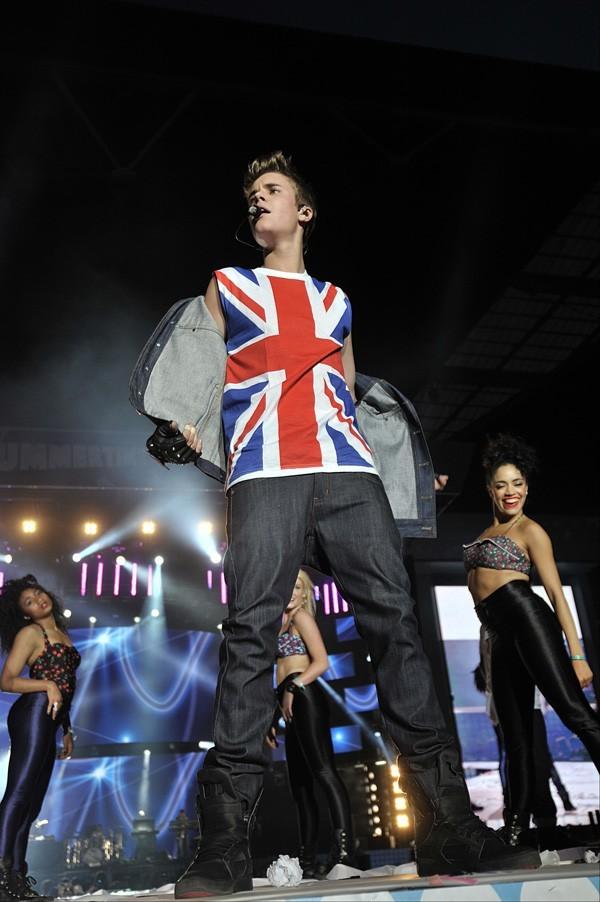Justin Bieber au Capital FM Summertime Ball 2012 le 10 juin 2012