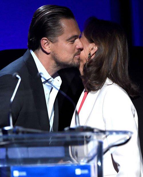 Leonardo Dicaprio et Ségolène Royal... la bise!