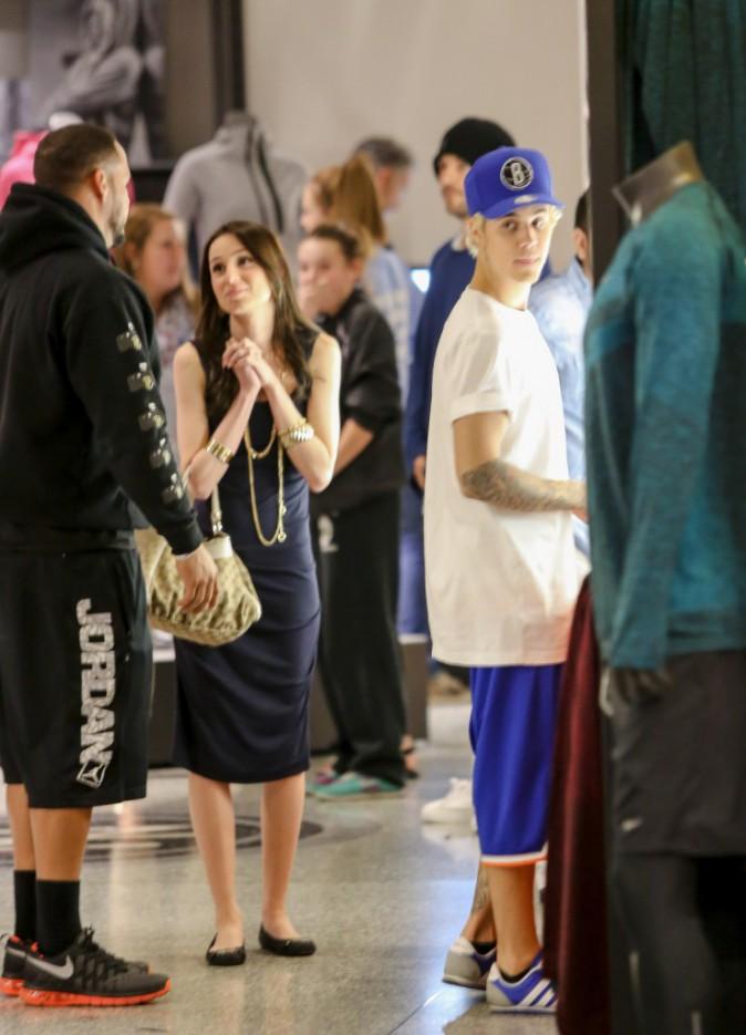 Photos : Justin Bieber : petite virée shopping... sans Selena !