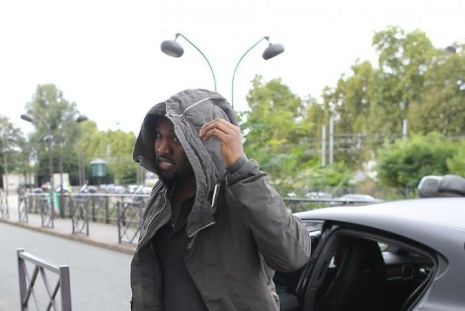 Photos : Kanye West : exilé, il se fond dans la grisaille parisienne !