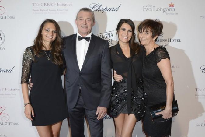 Karine Ferri et la famille Lemarchal lors du Global Gift Gala à Paris, le 13 mai 2013.