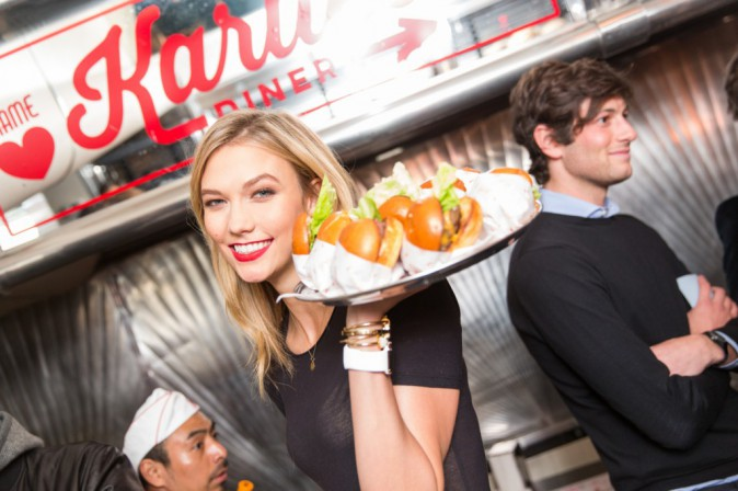 Karlie Kloss le 25 avril 2015