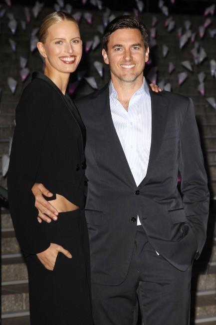 """Karolina Kurkova et Archie Drury lors de la soirée """"11th Annual TriBeCa Film Festival Vanity Fair Party"""" à New York, le 16 avril 2013."""