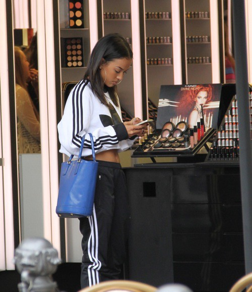 Photos : Karrueche Tran : virée shopping décontractée pour l'ex de Chris Brown !