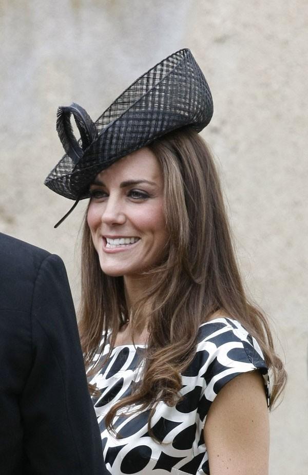 Elle a gardé le même chapeau que pour l'anniversaire de la reine !