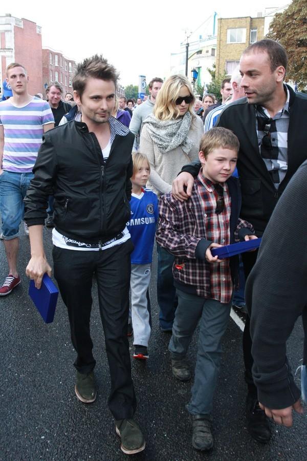 En famille, Kate Hudson est allée voir un match de foot
