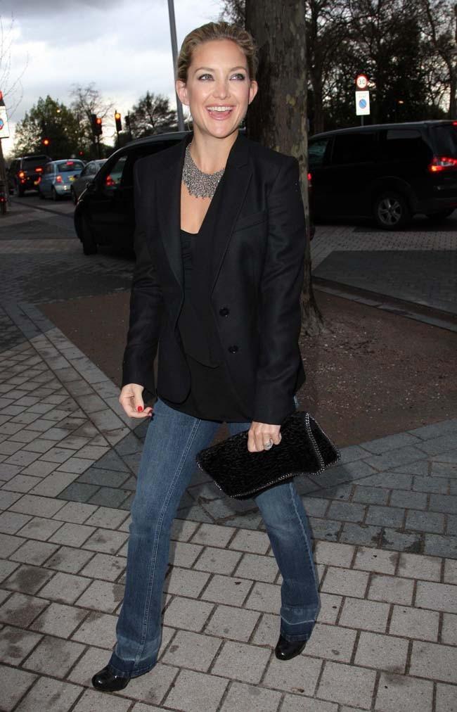 Un jean et un blazer, une tenue toute simple !