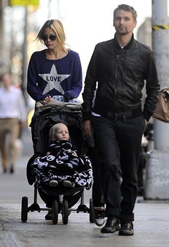 Kate Hudson et Matthew Bellamy en promenade à New-York le 17 avril 2013